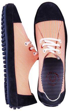 Moderner #Schuh für sportliche #Outfits.