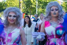Muslim leading politican in Norway cheering in gayparade.No,no and no,my eyes are bleeding..