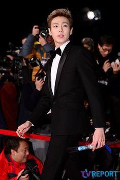Lee Hyun Woo @ 34th (2013) Blue Dragon Film Awards » Dramabeans » Deconstructing korean dramas and kpop culture