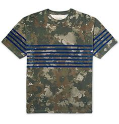 Casely-Hayford's 'Raine' T-shirt has a painterly camouflage print that puts a fresh spin on the military motif. Cut for a regular fit from cotton-jersey, it's finished with royal-blue flocked stripes that add a sportif flair. Try yours with navy tapered trousers.