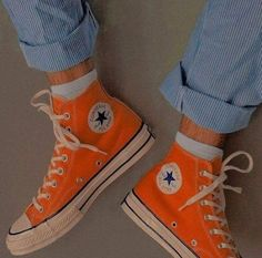 """iconic fashion on """"Sneakers"""" Look 80s, Look Retro, Sock Shoes, Cute Shoes, Me Too Shoes, Converse All Star, Converse Shoes, Orange Converse, Orange Sneakers"""