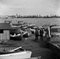 Veneitä rannalla Lauttasaaressa, Vattuniemenranta. Taustalla... Boat, Dinghy, Boats, Ship