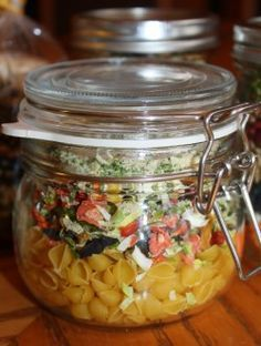 Chicken Noodle Soup in a jar. Look so pretty and taste so yummy. Get this and other soups in a jar http://www.gettystewart.com/soup-mix-in-a-jar/