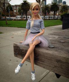 """좋아요 294개, 댓글 8개 - Instagram의 San_Francisco_Barbie(@san_francisco_barbie)님: """"#sanfrancisco #sanfranciscobarbie #sanfranciscoart #barbiedoll #sewing #sewingproject #diy #ootd…"""""""