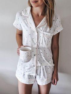 cute pajamas cozy pj's Sara la noticia del día Cozy Pajamas, Summer Pajamas, Satin Pyjama Set, Satin Pajamas, Pajamas For Teens, Pijamas Women, Mode Kimono, Cute Sleepwear, Pajama Outfits