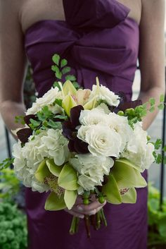 Urban Wedding at the Hobbs Building - gorgeous bouquet... maybe in all white?
