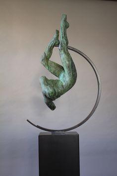 A Queda de Ícaro | Escultura de Rogério Timóteo