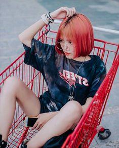 Aesthetic Hair, Cute Korean Girl, Chi Chi, Ulzzang, Hot Girls, Fashion Dresses, Mac, Style Inspiration, Crop Tops