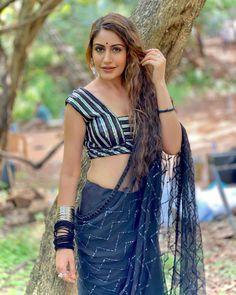 Popular Actresses, Hot Actresses, Indian Actresses, Indian Fashion Dresses, Indian Bridal Outfits, Indian Actress Hot Pics, Beautiful Indian Actress, Manish Malhotra Bridal Lehenga, Surbhi Chandna