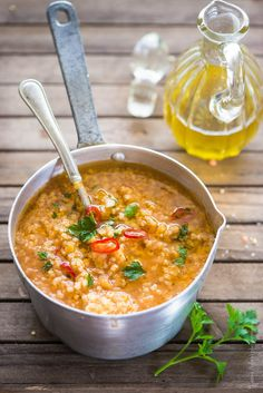 millet and red lentil soup Raw Food Recipes, Italian Recipes, Healthy Recipes, I Love Food, Good Food, Red Lentil Soup, Vegan Cookbook, Chowder Recipes, Light Recipes