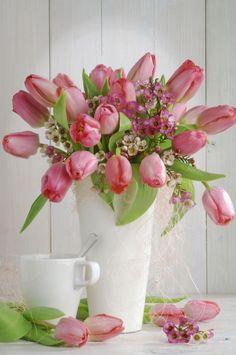 Torbjorn Skogedal - tulips_flower_bouqet_0602187164_skogedal.JPG