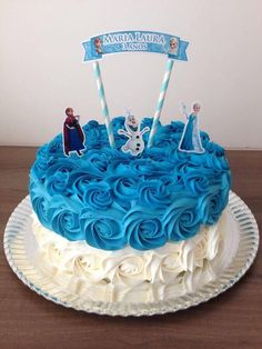 Bolo Frozen Ideias Lindas e Divertidas Frozen Cake, Frozen Party, Frozen Frozen, Bolo Elsa, Princess Wedding Cakes, Princess Cakes, Pastel Frozen, Christening Cake Girls, Elsa Cakes