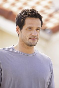 Cant find a single good reason for josh hopkins not being on this william joshua hopkins actor information character information josh hopkins played noah barnes ccuart Image collections