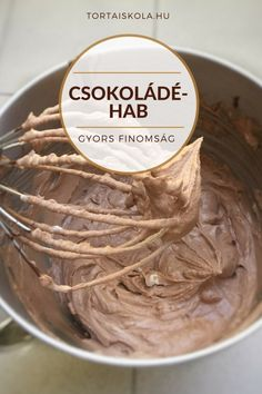 Gyors csokoládéhab készítése – Tortaiskola Cookie Cups, Cake Tutorial, Sweet And Salty, Relleno, No Bake Cake, Mousse, Icing, Peanut Butter, Ice Cream