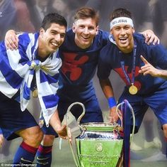 Leo Messi, Neymar Jr and Luis Suárez, winners of the Champions League in Berlin, have been included among the ten candidates for the UEFA Best Player in Europe Award. The trio of Barça strikers have b Lionel Messi, Fc Barcelona, Good Soccer Players, Football Players, Real Madrid, Cr7 Junior, Messi And Neymar, Messi 10, Soccer Motivation
