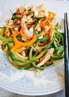 Pad Thai Salad (Low - February 23 2019 at Low Carb Recipes, Diet Recipes, Vegetarian Recipes, Cooking Recipes, Healthy Recipes, Duck Salad Recipes, Clean Eating, Healthy Eating, Thai Salat
