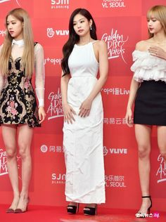 BLACKPINK Jennie at Golden Disc Awards 2019 Red Carpet Golden Discs, Jennie Kim Blackpink, Golden Disk Awards, Korean Fashion Trends, Red Carpet Dresses, Kpop Girls, Seoul, Style Icons, High Fashion