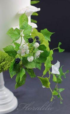 Woodland Wedding Cake - Sugar Blackberries - Wafer Paper Leaves | Floralilie Sugar Art