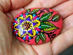 Mandala bloom / painted rocks / painted stones / hand painted rocks / art on…