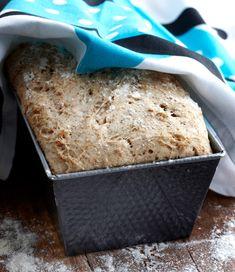 1. Tee juuri edellisenä päivänä. Sekoita kädenlämpöinen vesi, omena raastettuna ja jauhot ja anna käydä peitettynä seuraavaan päivään. 2. Tois… Cornbread, Bread Recipes, Free Food, Gluten Free, Ice Cream, Baking, Healthy, Ethnic Recipes, Anna