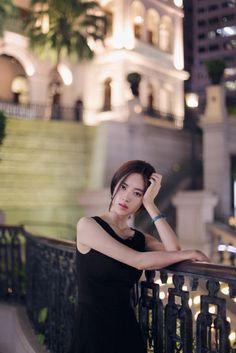 엣지있는 쇼핑몰 모델 여신 윤선영