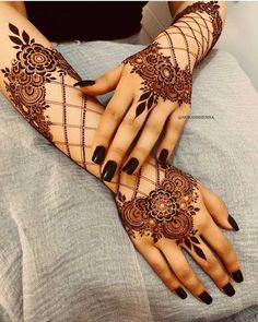 Can't get over the beauty of bridal Mehndi Designs for full hands? This full hand mehndi design with a mix of Indian and Arabic mehndi images is perfect for you! Get Amazing Collection of Full Hand Mehndi Design Ideas here. Simple and Easy Modern full. Full Hand Mehndi Designs, Henna Art Designs, Stylish Mehndi Designs, Dulhan Mehndi Designs, Mehndi Designs For Fingers, Mehndi Design Pictures, Latest Mehndi Designs, Mehndi Images, Arabian Mehndi Design