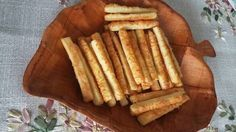 Sajtkrémes rúd Savory Snacks, Apple Pie, Rum, Muffin, Dairy, Food And Drink, Cheese, Desserts, Tailgate Desserts