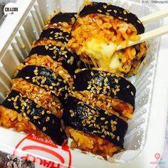 Korean Street Food, Korean Food, K Food, Food Porn, Yummy Snacks, Yummy Food, Yum Yum Sauce, Recipes From Heaven, Asian Cooking