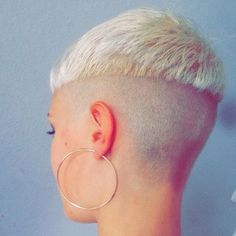 Outstanding Long hair styles info are readily available on our website. Check it out and you will not be sorry you did. Bowl Haircuts, Great Haircuts, Very Short Hair, Short Hair Cuts, Bowl Haircut Women, Buzz Cut Women, Shaved Nape, Shaved Sides, Messy Bob Hairstyles