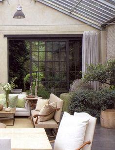 Indoor/outdoor room by Walda Pairon