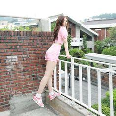 love whisper behind jacket shooting Sinb Gfriend, Gfriend Sowon, South Korean Girls, Korean Girl Groups, Korean Celebrities, Celebs, Gfriend Profile, Airport Fashion Kpop, Krystal Jung