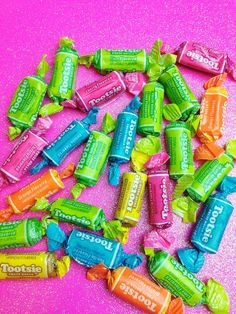 the fruity kind rocks Penny Candy, Retro Candy, Fancy Drinks, Taste The Rainbow, Best Candy, Candy Store, Vanilla Flavoring, Happy Colors, Candy Recipes