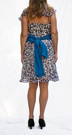 Seidenkleid, Unikat, passt für Gr.38-40, vorhanden in Wien. Pure silk dress, one-of-a-kind, available in Vienna, German size 38-40. Floral, Skirts, Fashion, Curve Dresses, Florals, Moda, La Mode, Flowers, Skirt