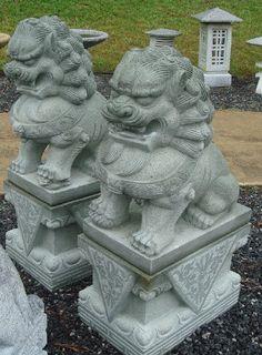 Garden garden sculptures statues on pinterest resins for Separation decorative entre 2 pieces