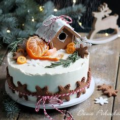 Gingerbread Christmas Decor, Christmas Cake Designs, Christmas Cake Decorations, Christmas Sweets, Holiday Cakes, Christmas Cooking, Noel Christmas, Holiday Treats, Holiday Recipes