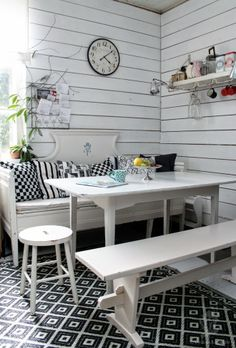 Voikukkapelto Dining Room Inspiration, Interior Inspiration, Swedish Decor, Dining Room Colors, Dining Nook, Cozy Cottage, Scandinavian Interior, Kitchen Interior, Sweet Home