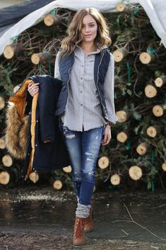 Women Jeans Outfit Olive Cargo Pants Ladies Black Cargo Trousers Leopard Trousers Petite Black Trousers Soft Jeans Jeans And Heels Outfit – azalearlily Winter Mode Outfits, Casual Fall Outfits, Winter Fashion Outfits, Stylish Outfits, Autumn Winter Fashion, Fashion Fall, Short Outfits, Womens Fashion, Summer Outfits