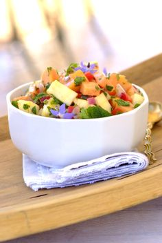 A light, bright starter for a Day dinner: Sweet Chilli and Paw-Paw Salad! Paw Paw, Valentines Day Dinner, South African Recipes, Sweet Chilli, My Cookbook, Tummy Time, How To Make Salad, Kos, Happy Life