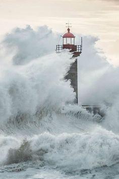 Felgueiras Lighthouse in Foz do Douro, Porto,Portugal by Macro Nuno… No Wave, Lighthouse Storm, Douro Portugal, Lighthouse Pictures, Stormy Sea, Beacon Of Light, Crashing Waves, Am Meer, Sea And Ocean