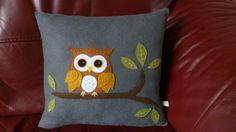 Owl Applique Felt Cushion Decorative Cushion por SewJuneJones