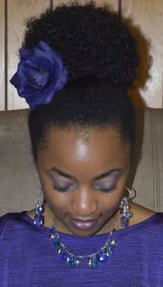 Natural hair with puff