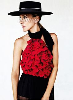 love the hat and and the top  Sarah Jessica Parker in a spanish Sombrero  Cordobe hat with veil. The sombrero cordobés is a traditional hat made in  the city ... a6381ee407a6