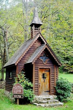 "Jude's Chapel of Hope, NC. This small chapel is called ""St. Jude's Chapel of Hope,"" in the small community of Trust, which is near the community of Spring Creek in Madison county. It was built by. Abandoned Churches, Old Churches, Beautiful Buildings, Beautiful Places, Beautiful Architecture, Old Country Churches, Take Me To Church, Cathedral Church, Church Building"