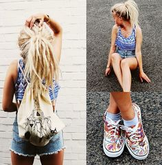I seriously think that if I had a separate life I would have pretty dreads like these.