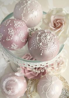 lrg cake pops (sans sticks) - pearlized ornaments by Cotton and Crumbs Gorgeous Cakes, Pretty Cakes, Amazing Cakes, Cake Pops, Noel Christmas, Pink Christmas, Victorian Christmas, Christmas Balls, Christmas Ornaments