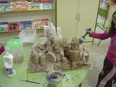 escultura  de reciclaje y yeso