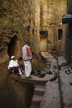 Gänge zwischen den Felsenkirchen, Lalibela, Äthiopien