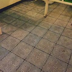 Mosaico antiderrapante Círculos by Omm #mosaicoshidraulicos #madeinMexico #mosaicodepasta #arqmx #art #artesanal #baldosas #cementtiles #carreauxdeco #design #decoracion #fliesen #floor #handmade #ihavethisthingwithfloors #interiordesign #tileaddiction #tiles #mosaicos #baldosas #loseta #losacriolla #cholula by heclops