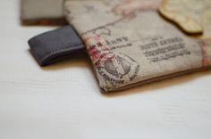 World map / Handmade purse Handmade Purses, Money Clip, Map, Wallet, Handmade Bags, Location Map, Money Clips, Diy Wallet, Purses