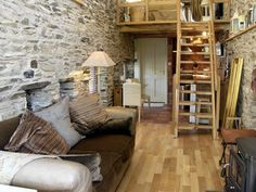Detached Barn Conversion for 2 - Ashbourne Tiny Apartments, Tiny Spaces, Little Houses On Wheels, Houses In France, Tiny House Nation, Sweet Home, Cottage Renovation, Cottage Interiors, Tiny House Living